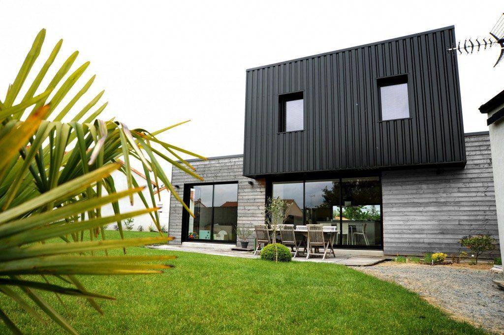construction d une maison saint andr de la marche par atelier 14 maison d 39 architecte. Black Bedroom Furniture Sets. Home Design Ideas