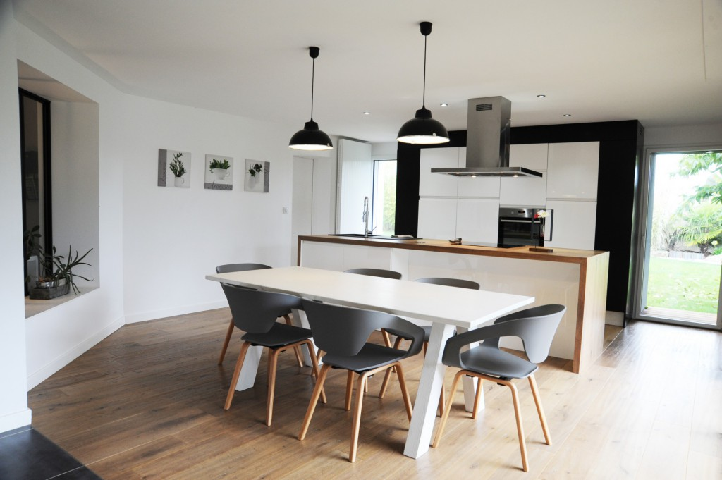 extension et r novation d une maison g tign par atelier 14 maison d 39 architecte. Black Bedroom Furniture Sets. Home Design Ideas