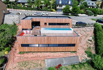 MAISON INDIVIDUELLE CARDAILLAC – DANS LA PENTE, par Hugues Tournier architecte