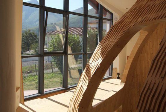 Maison-Amalur-intérieur-en-bois-massif-Inaki-NOBLIA-4