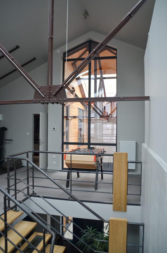 r novation d une halle industrielle en loft saint etienne par genevrier maison d 39 architecte. Black Bedroom Furniture Sets. Home Design Ideas