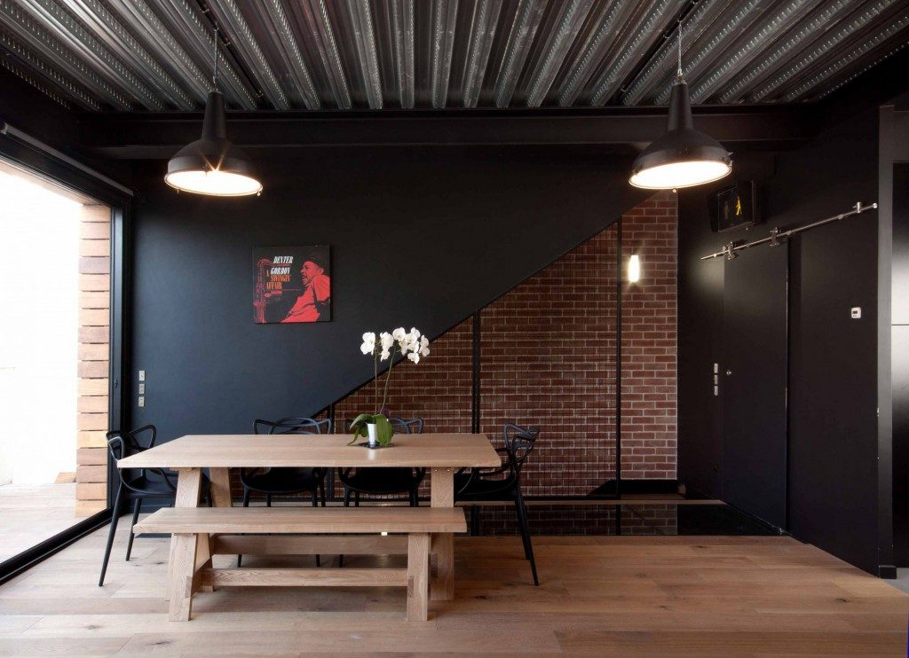so house maison de style industriel saint ouen par sof architectes maison d 39 architecte. Black Bedroom Furniture Sets. Home Design Ideas