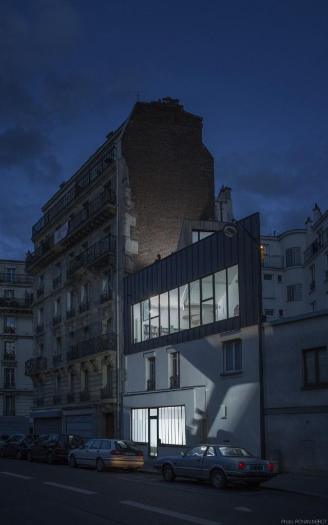 Surelevation d une maison individuelle par bump architectes maison d 39 architecte for Construction bois zinc