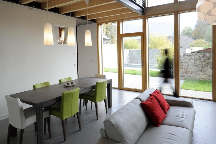 Transformation d une grange en habitation par maisonnet for Architecte transformation maison