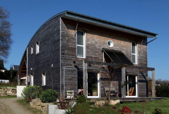 UNE MAISON BIOCLIMATIQUE AU COEUR DU PAYS DE VANNES, par a.typique Patrice BIDEAU architecte DPLG