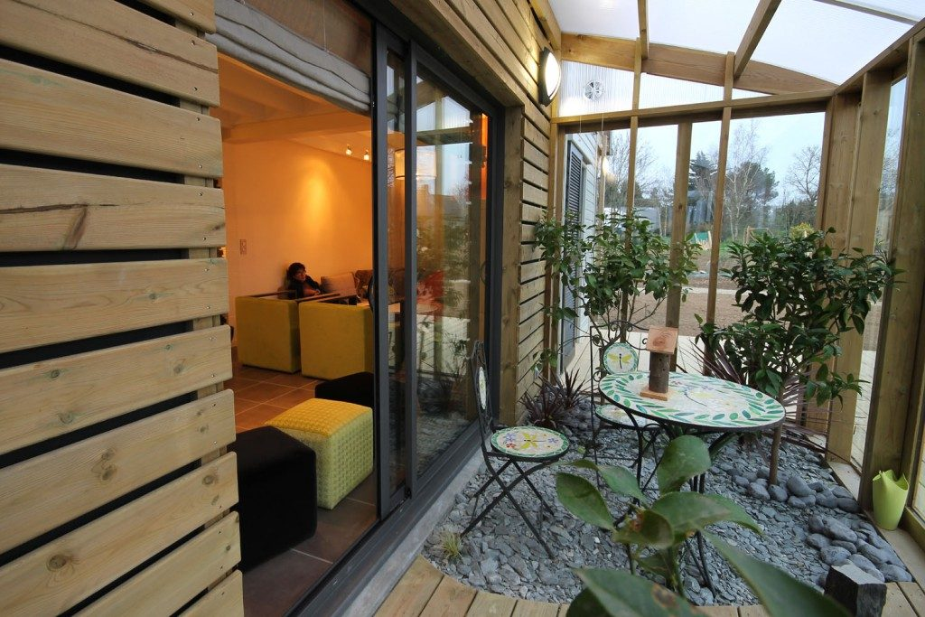 une maison bioclimatique et organique en bretagne par patrice bideau architecte dplg. Black Bedroom Furniture Sets. Home Design Ideas