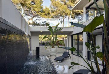 Villa GP en bord de mer, Var, par Frédérique Pyra architecte