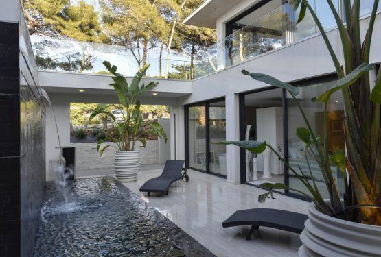 Villa-GP-en-bord-de-mer-Var-Frédérique-Pyra-architecte-1