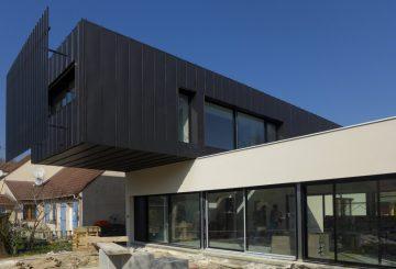 Well-balanced house – Une maison contemporaine, par SOF Architectes