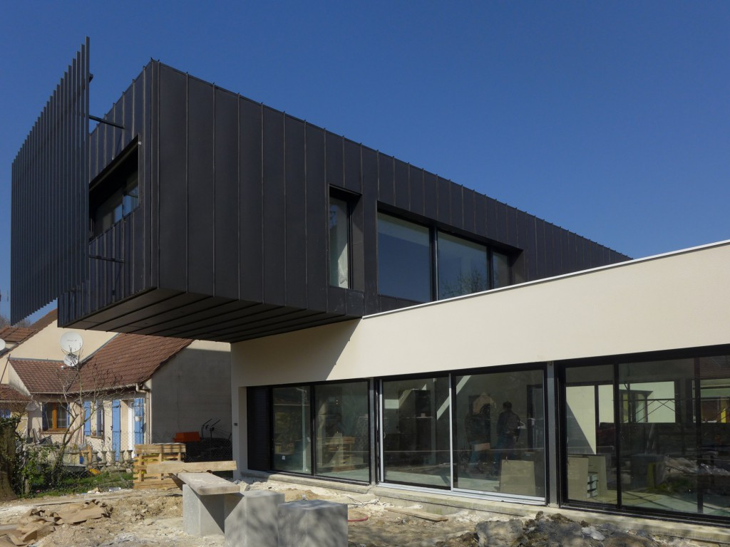 Well balanced house une maison contemporaine par sof for Maisons architecte