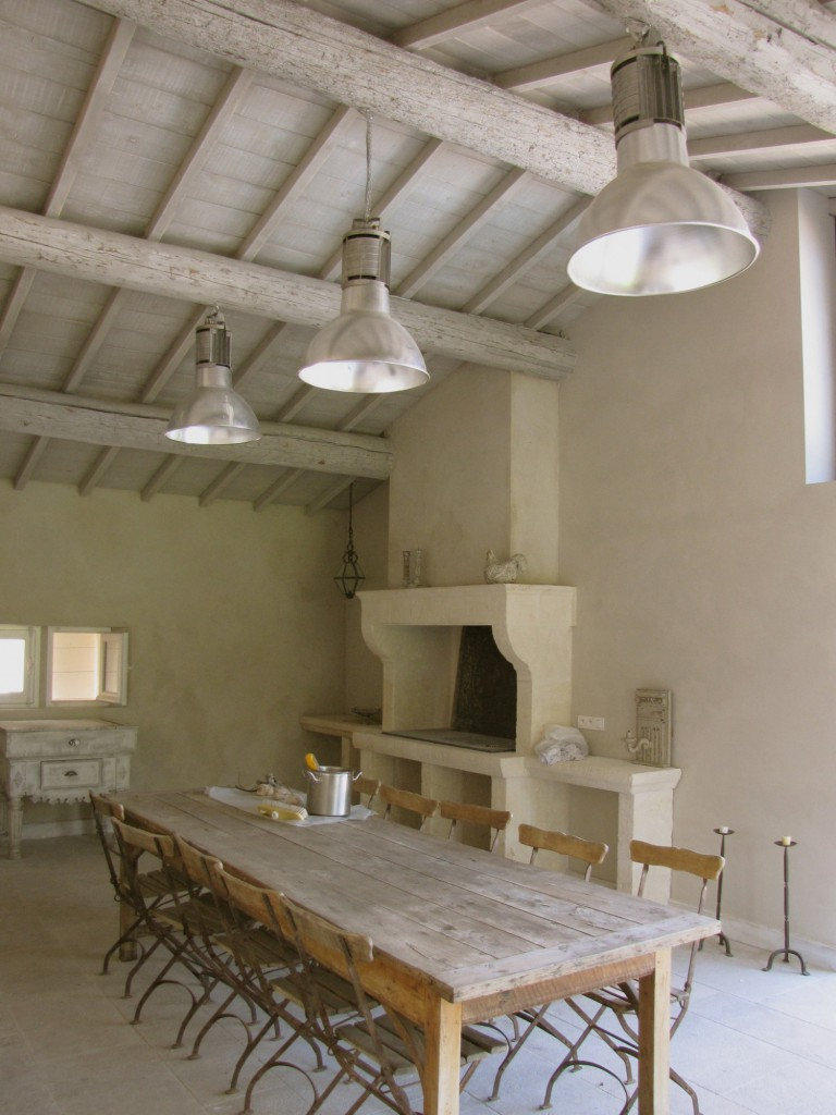 Restauration d un ancien mas de campagne extension avec for Salle a manger en pierre