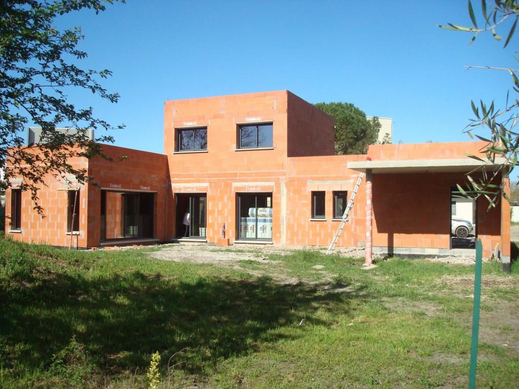 Construction d une villa toulouse par pratviel maison d 39 architecte - Une maison un jardin berthenay versailles ...