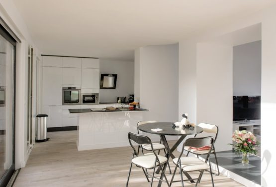 E13 Réhabilitation d'une maison individuelle, par UMA SAS