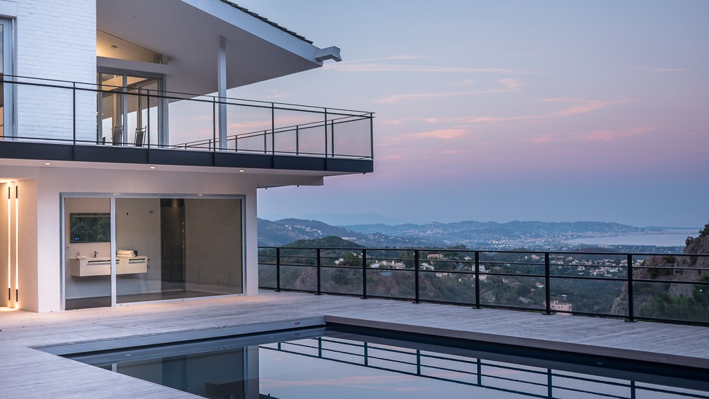 Villas suspendue par blue architecture maison d 39 architecte for Architecture suspendue