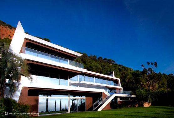 LUXURY YATCH HOUSE IN GIRONA, SPAIN, par DNA Barcelona Architects