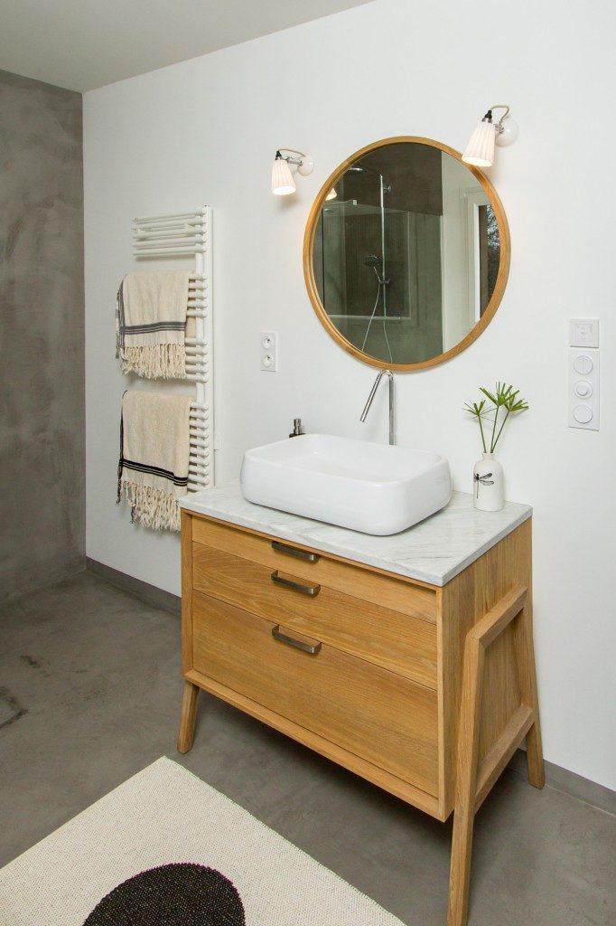 Maison d architecte en bois salle de bain zen par for Architecte salle de bain