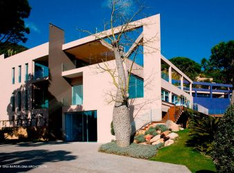 RESIDENCE PUNTA BRAVA I GIRONA, SPAIN, par DNA Barcelona Architects