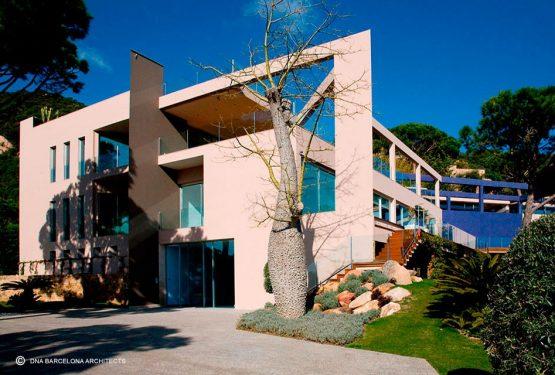 RESIDENCE PUNTA BRAVA I GIRONA, SPAIN, par DNA Barcelona Architects
