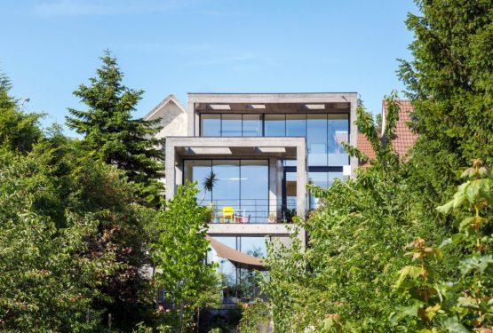 Maison en Béton Lisse – LES ARCHES, par SKP architecture