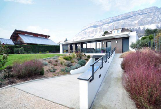 Villa contemporaine Isère, par GCA